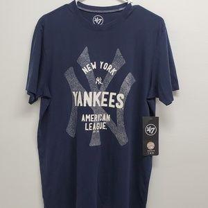 47 Brand Shirts - New York Yankees Short Sleeve Crew Neck T-Shirt M